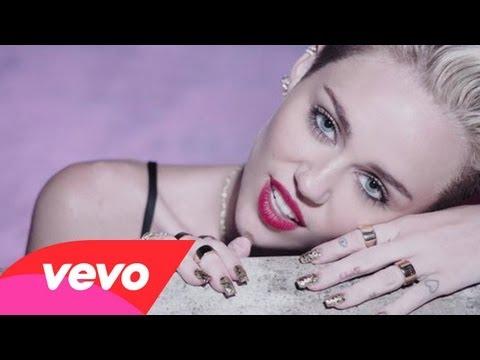 Miley búcsút intett ártatlanságának
